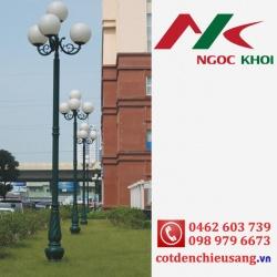 Cột DC07 lắp đèn cầu trang trí sân vườn