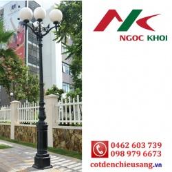 Cột sân vườn DC05B lắp đèn cầu trang trí